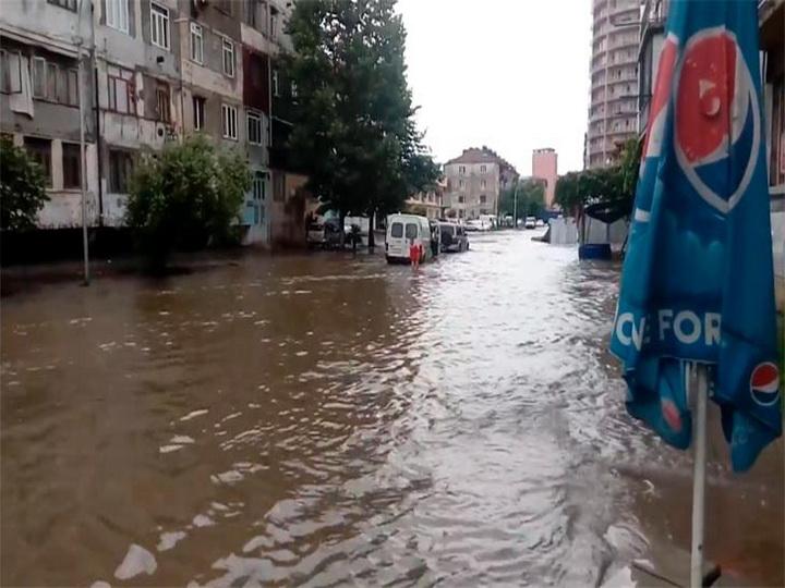 Ливень вызвал оползни в грузинском Кобулети