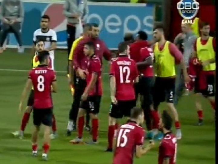 Футболисты «Габалы» подрались после матча с «Нефтчи» - ВИДЕО