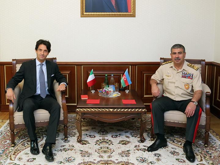 Азербайджан и Италия обсуждают перспективы военного сотрудничества