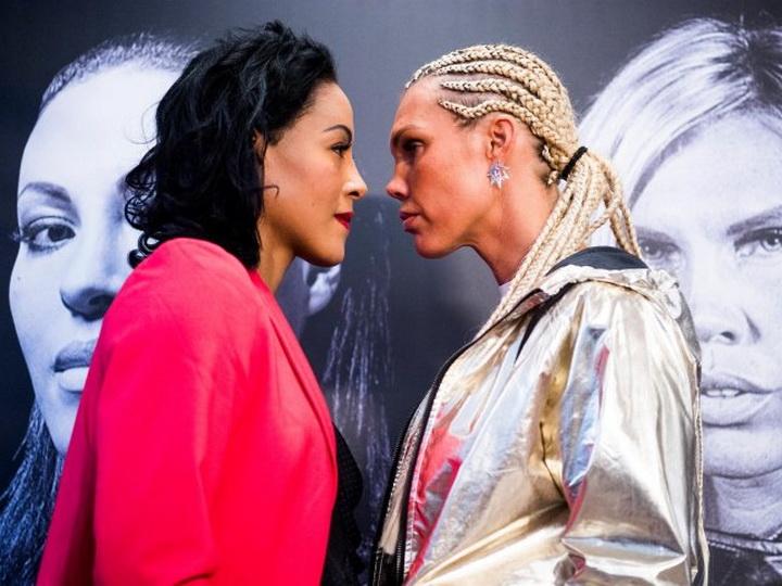 Женщина-боксер поцеловала соперницу в губы на дуэли взглядов - ВИДЕО