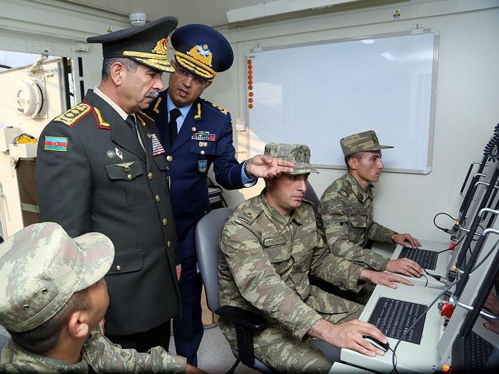 Руководство Минобороны Азербайджана проверило боеготовность личного состава ПВО – ФОТО