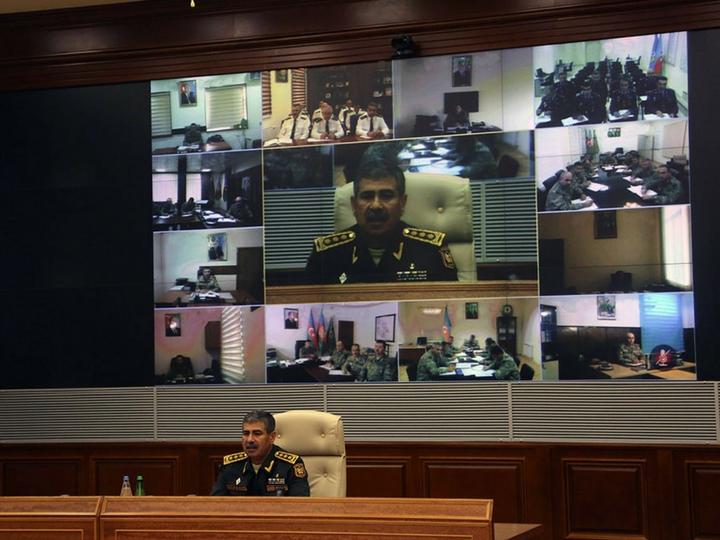 Закир Гасанов дал указания войскам по немедленному и решительному пресечению провокаций противника - ФОТО