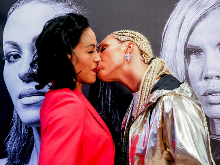 Чемпионка мира по боксу нокаутировала поцеловавшую ее соперницу - ВИДЕО