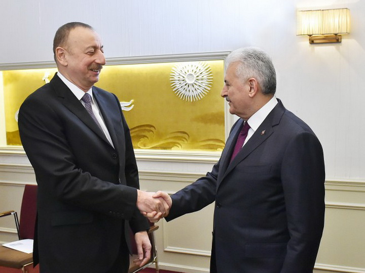 Ильхам Алиев поздравил Бинали Йылдырыма