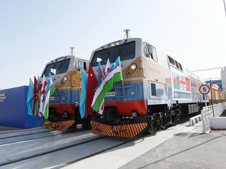 Новая железная дорога Баку-Тбилиси-Карс: быстрее, дешевле, безопаснее – ФОТО