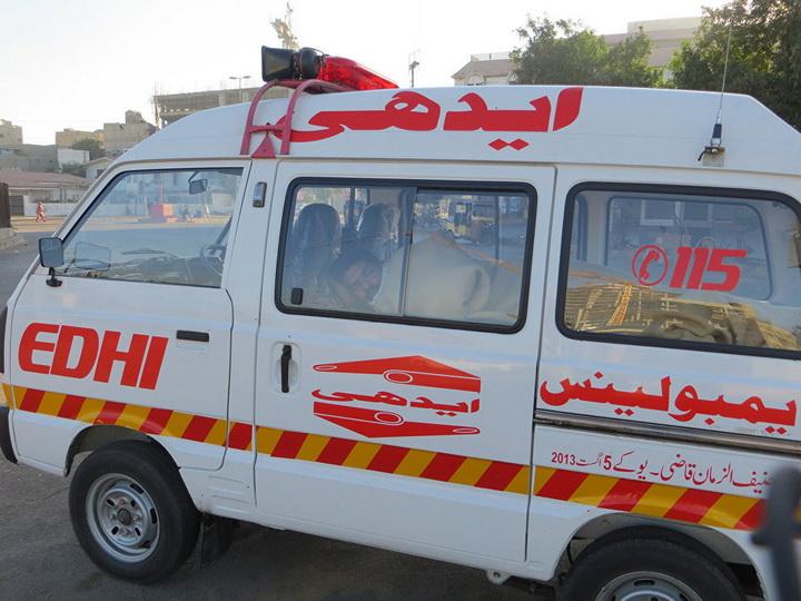В Пакистане при падении автобуса с моста погибли не менее 24 человек