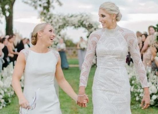 İdmançı qadın həmcinsi ilə evləndi - FOTO
