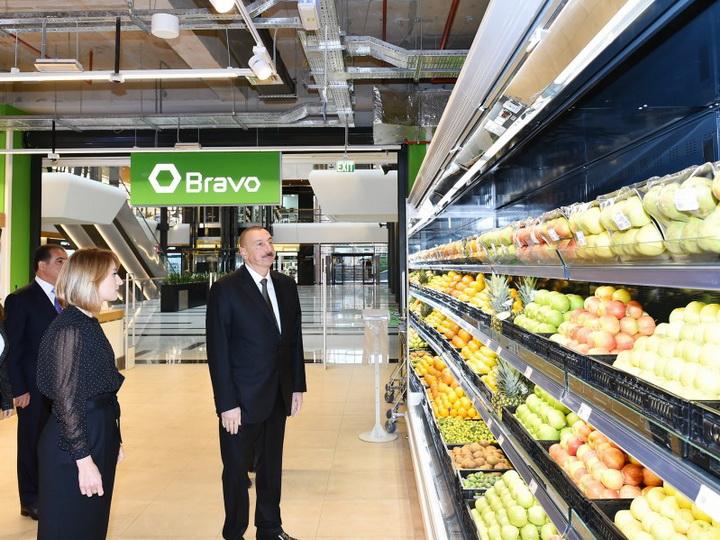 Президент Азербайджана ознакомился с условиями в торговом центре Gəncə Mall - ФОТО