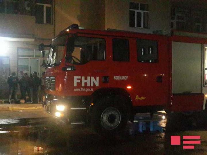 Пожар в жилом здании в Баку потушен - ФОТО - ОБНОВЛЕНО