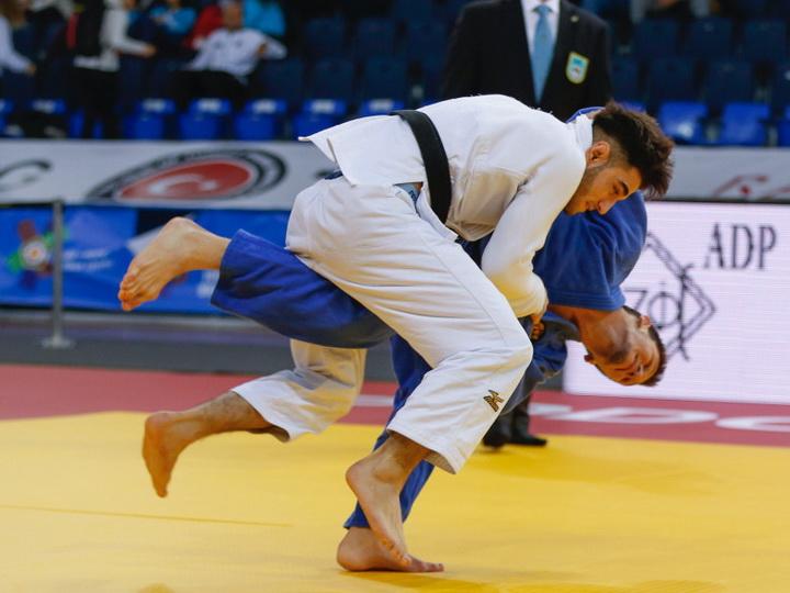 Azərbaycanın gənc cüdoçuları Avropa birinciliyində iki medal qazanıblar