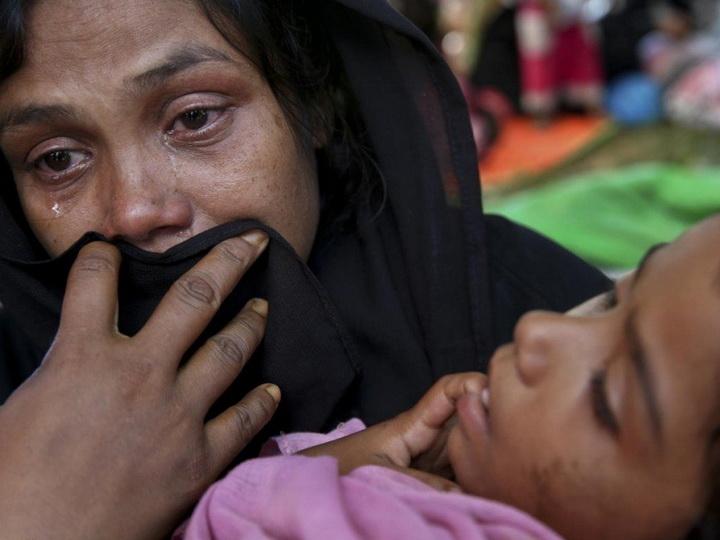 Оскорбленные постом вFacebook мусульмане сожгли деревню индуистов вБангладеш