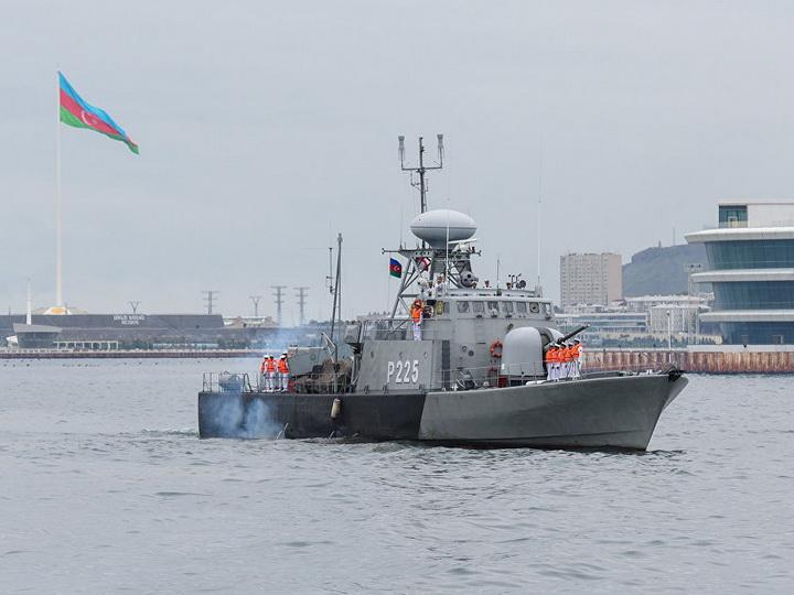 Новые подробности о браконьерах, протаранивших полицейский катер в бакинской бухте – ФОТО - ОБНОВЛЕНО