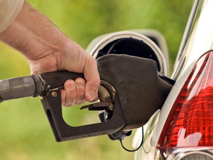 В Азербайджане приостановлена продажа бензина маркиAİ-98 super - ВИДЕО