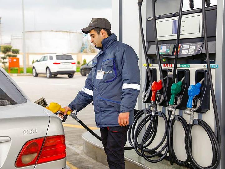 В Азербайджане повысилась стоимость бензина марки Аİ-95 и Aİ-98