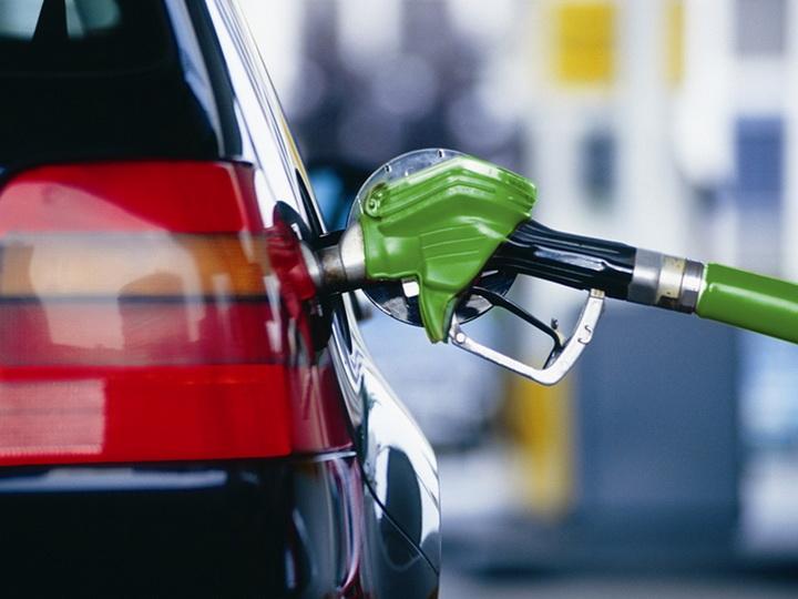 """""""Premium"""" və """"Super"""" markalı benzin bahalaşıb"""
