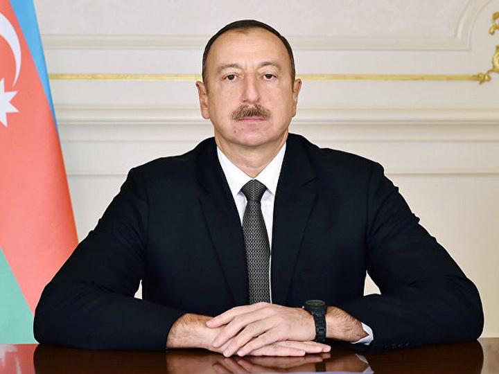 Президент Ильхам Алиев наградил группу лиц за активное участие в общественно-политической жизни страны