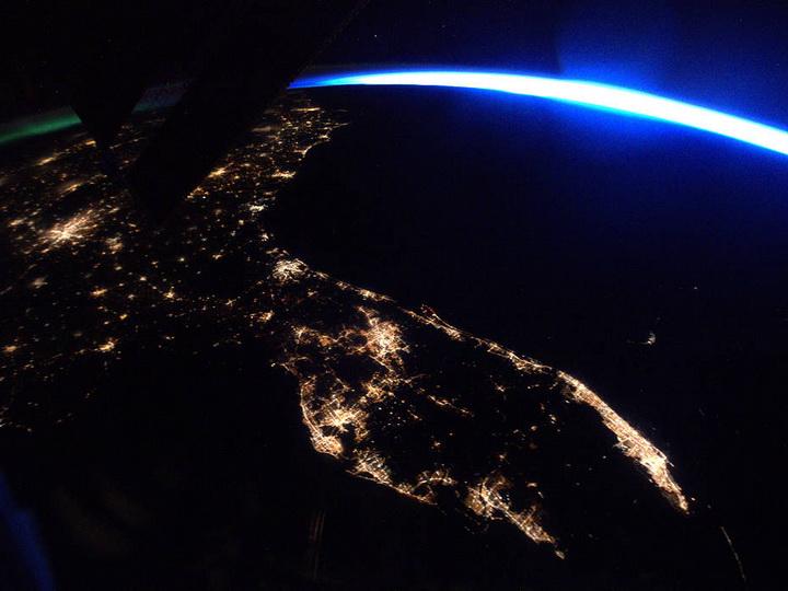 Итальянский астронавт снял изкосмоса падение метеорита наЗемлю – ВИДЕО