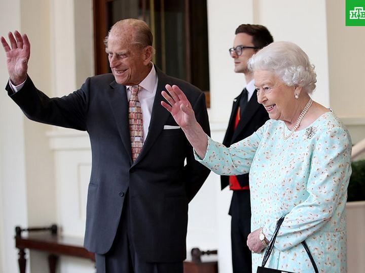 Королева Англии ЕлизаветаII ипринц Филипп 20ноября отметят платиновую свадьбу
