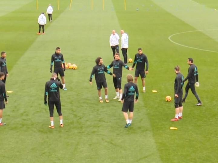 Футболисты «Реала» гоняли по кругу недовольного Роналду - ВИДЕО