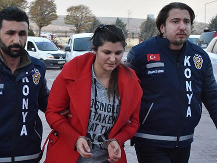 В Турции азербайджанка зарезала сожителя, преследуя его по улице – ФОТО