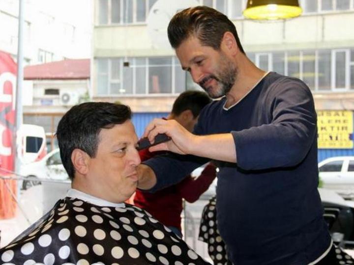 В Турции мужчинам запретили красить волосы в черный цвет