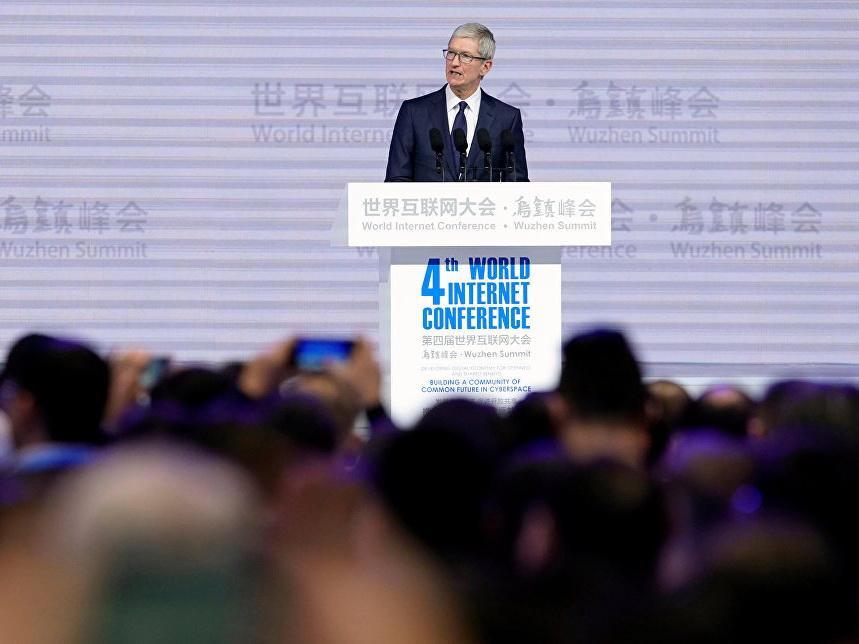Глава Apple заявил что не боится искусственного интеллекта