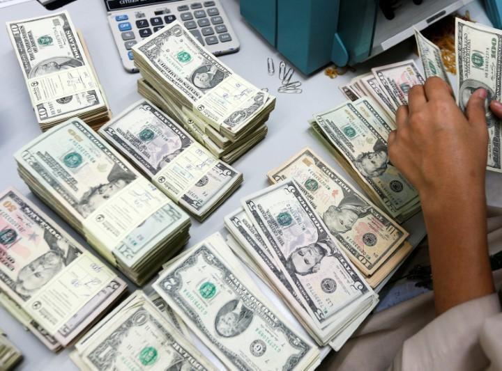 Продажа валюты ГНФАР за январь-ноябрь превысила $3 млрд
