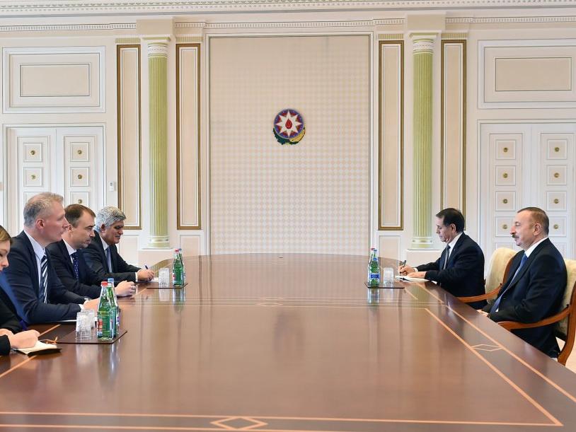 Президент Ильхам Алиев принял спецпредставителяЕС поЮжному Кавказу (версия 2)