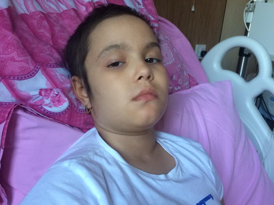 Мать 8-летней Ройи Имамвердиевой: «Нам уже нечего продавать. Но я буду бороться за жизнь дочери до последнего»