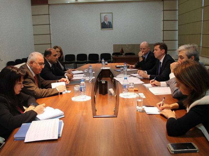 Миссия МВФ в Баку обсудила пенсионную реформу