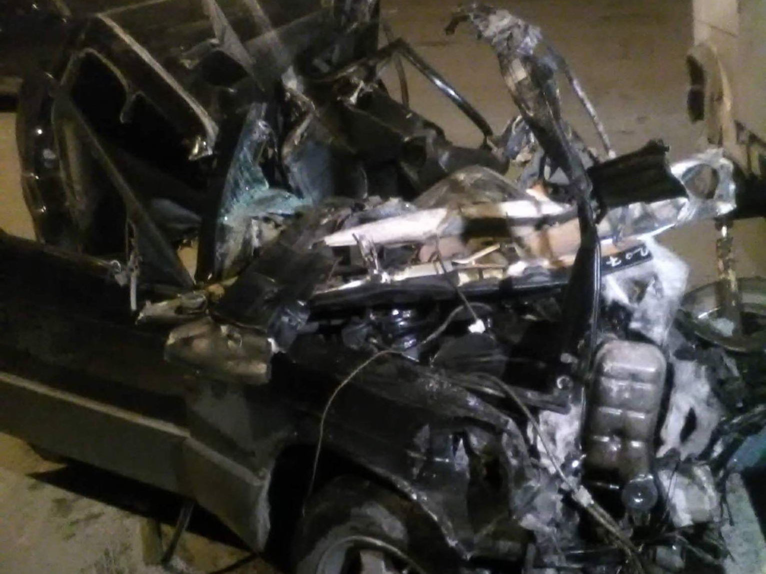 В Баку автомобиль расплющило в страшном ДТП, погибла целая семья – ФОТО – ВИДЕО – ОБНОВЛЕНО