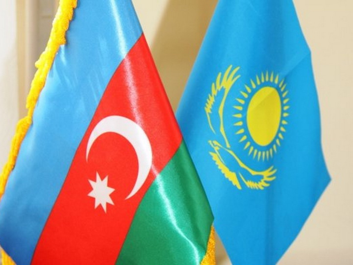 Азербайджан и Казахстан намерены в 2018-20 годах активизировать торговое сотрудничество