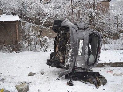 В Армении военные попали в ДТП - ФОТО