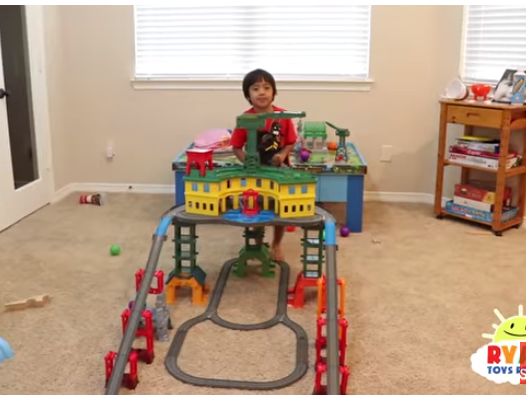 Как 6-летний парень заработал неменее 10 млн долларов: детали обогащения