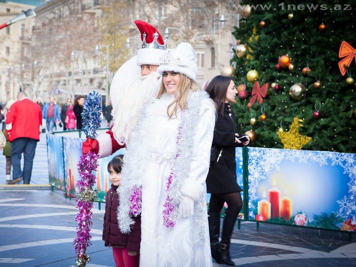 Специалисты называли стоимость услуг Деда Мороза в северной столице и остальных городах