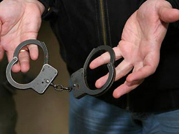В Баку вынесен приговор мужчине, зарезавшему таксиста за приставания к его жене
