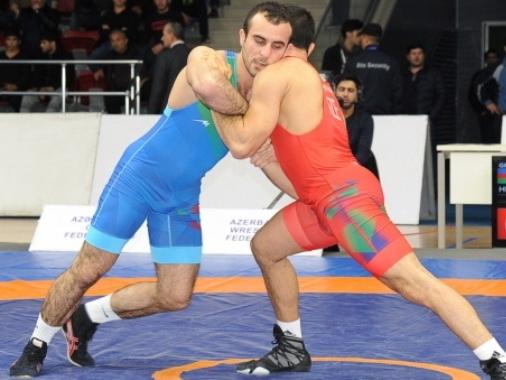 Первые победители чемпионата Азербайджана по борьбе
