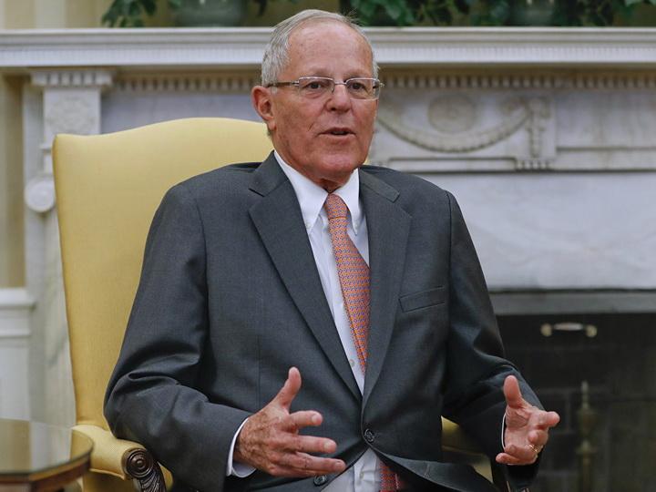 В Перу в конгресс внесли предложение об отстранении президента