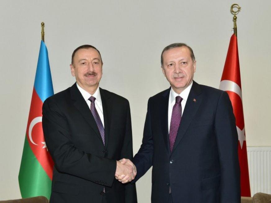 Путин поздравил президента Азербайджана с56-летием