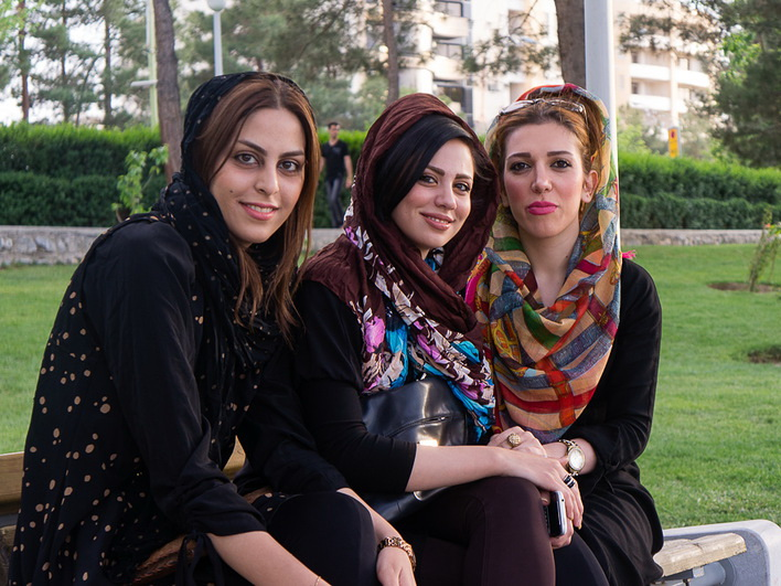 iranian women Iranian women are allowed to take part in international sporting events, but must respect strict islamic rules on clothing at all times female swimmers have to wear full bodysuits and headscarves.