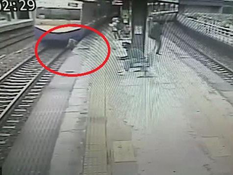 Пенсионер из Тайваня чудом выжил под колесами поезда - ФОТО - ВИДЕО