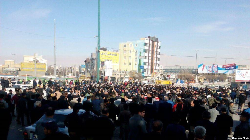 İranda hakimiyyətə dəstək aksiyası keçirilir