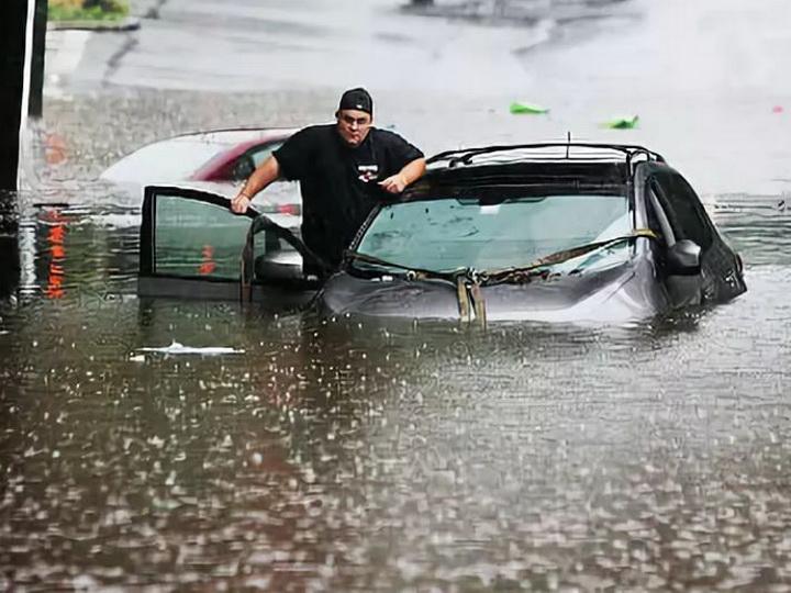 Число погибших из-за ливней в Калифорнии выросло до 5 человек