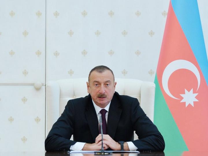 Президент Ильхам Алиев: Нынешний год станет очень важным для функционирования железной дороги Баку-Тбилиси-Карс - ФОТО