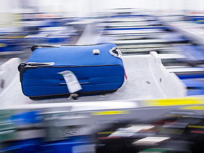 Пассажиры не получили 4,6 тыс. единиц багажа в аэропорту Нью-Йорка