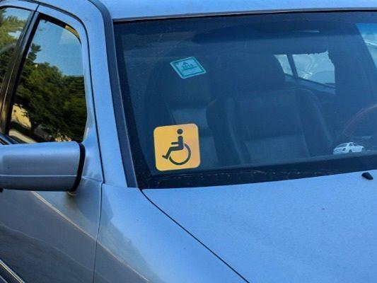 Дорожная полиция о резком росте числа «инвалидов» на дорогах: «Они все самозванцы!» - ФОТО