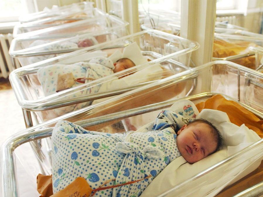 Названы самые популярные имена новорожденных в Азербайджане в 2017 году
