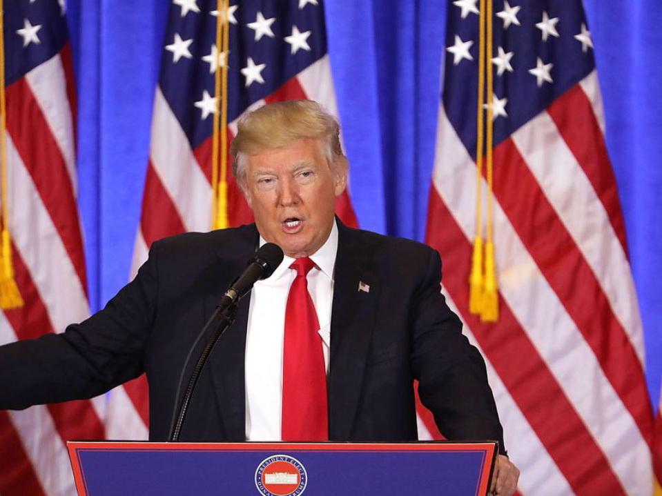 В съезде  хотят голосования заимпичмент Трампа из-за слов о«грязных дырах»