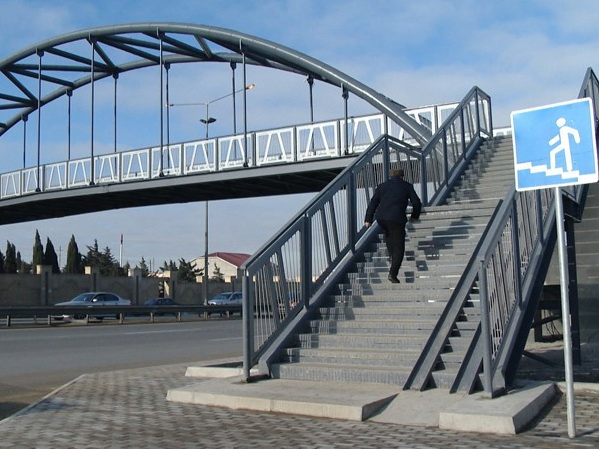В Баку вместо «зебр», провоцирующих пробки, построят надземные переходы - АДРЕСА