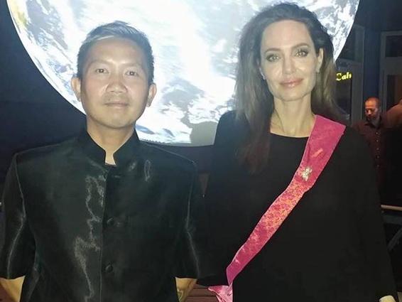 Анджелине Джоли приписывают роман с камбоджийским режиссером - ФОТО